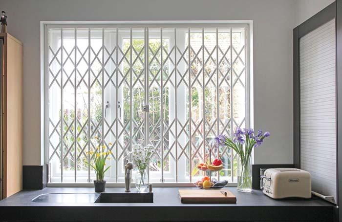 Grades para janelas de ferro branca sanfonada