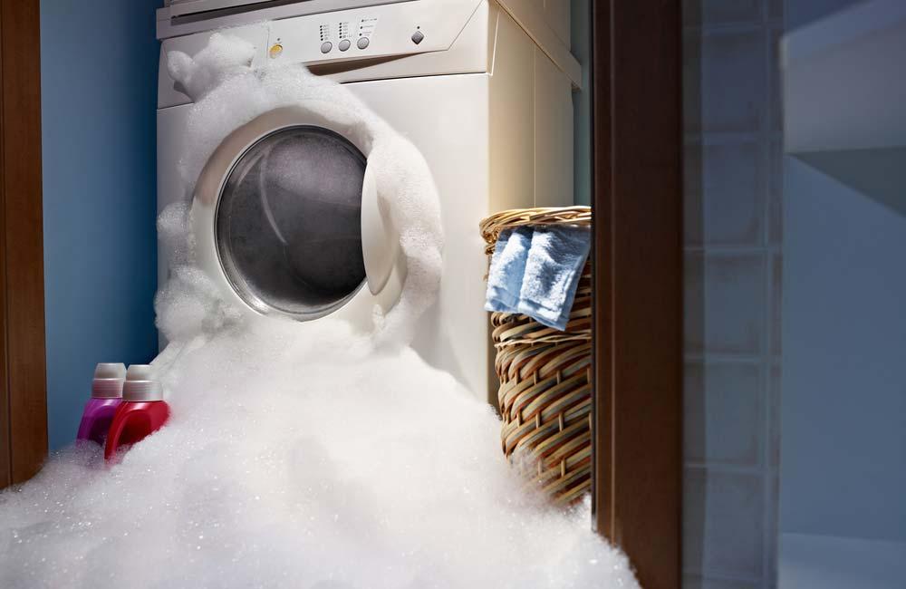 Máquina de lavar suja
