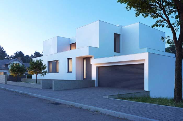 Portão de alumínio em casa branca