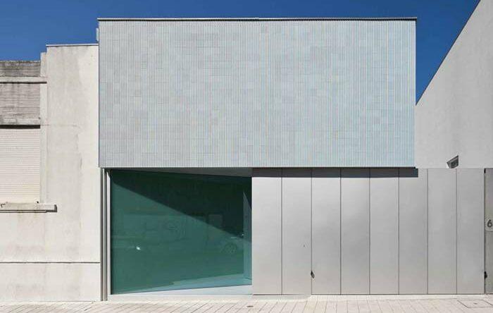 Portão de alumínio: conheça as vantagens e veja 60 inspirações