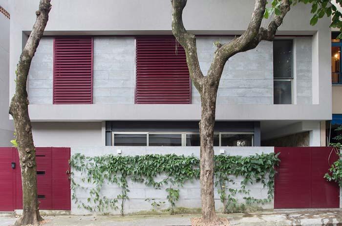 Portão e janelas de alumínio vermelho