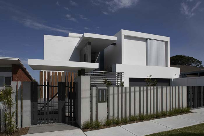 Linhas retas são as mais indicadas para portões de casa