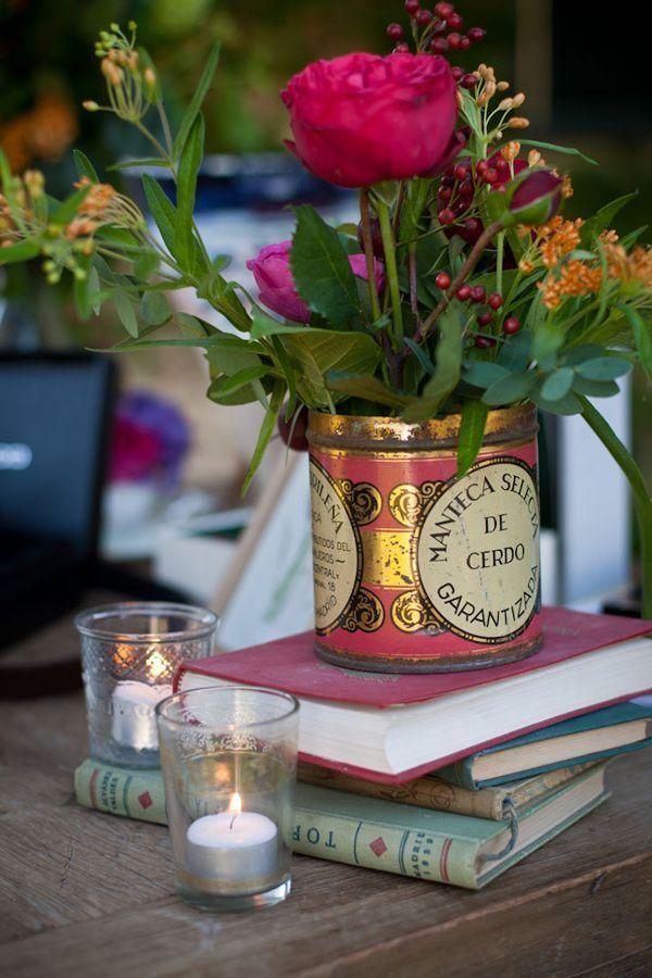 Latas para flores e copos
