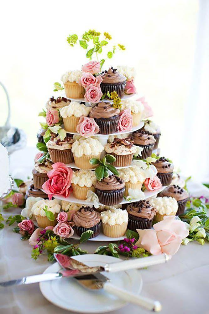 Torre florida de cupcakes para casamento barato