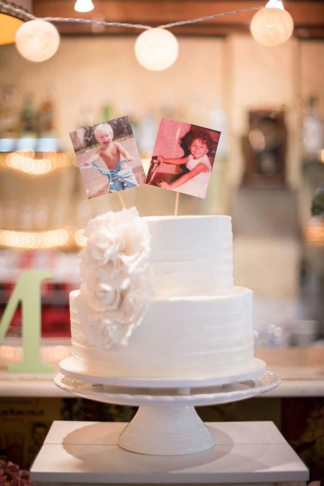 Fotos da infância no topo do bolo