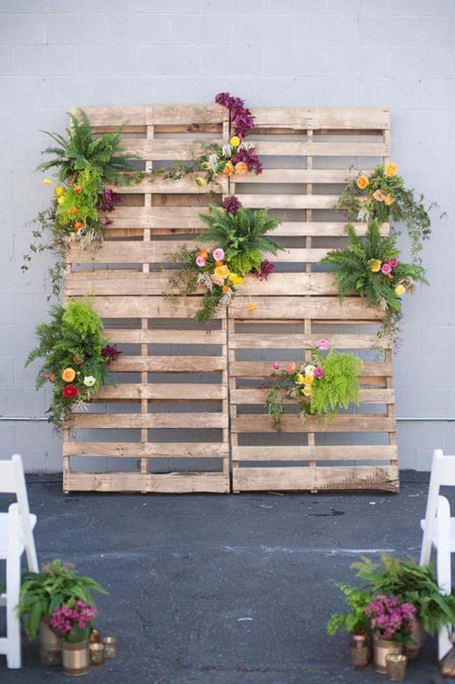 Paletes para decorar casamento barato