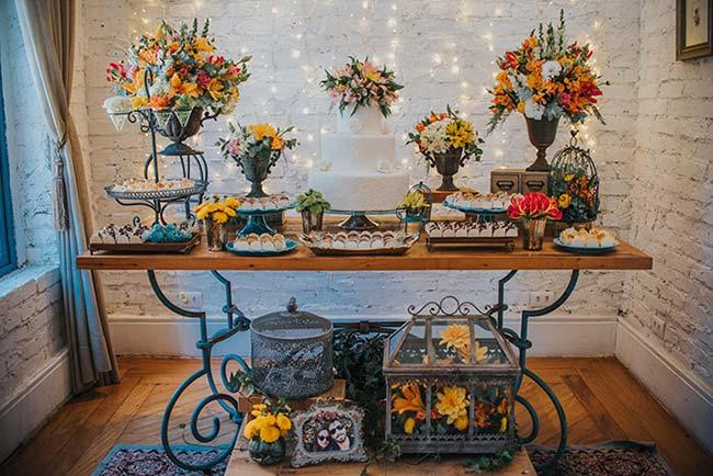 Mesa de doces em estilo rútico