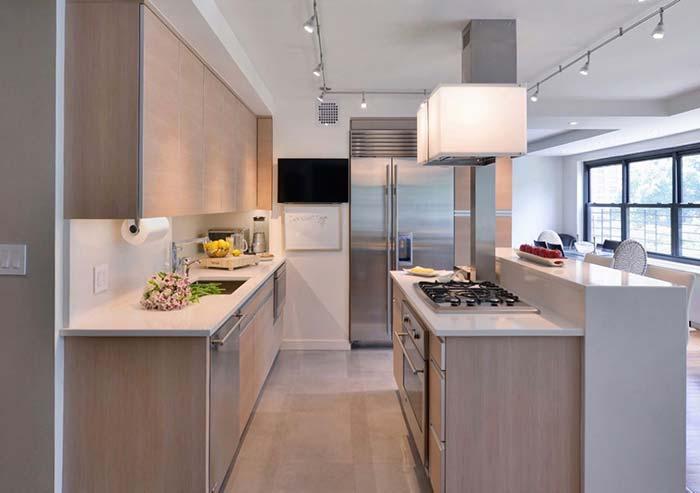 Cozinha com balcão alto