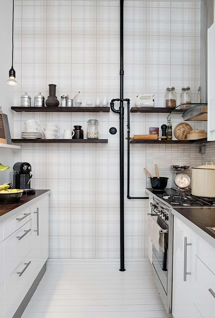 Utilização da parede na cozinha pequena
