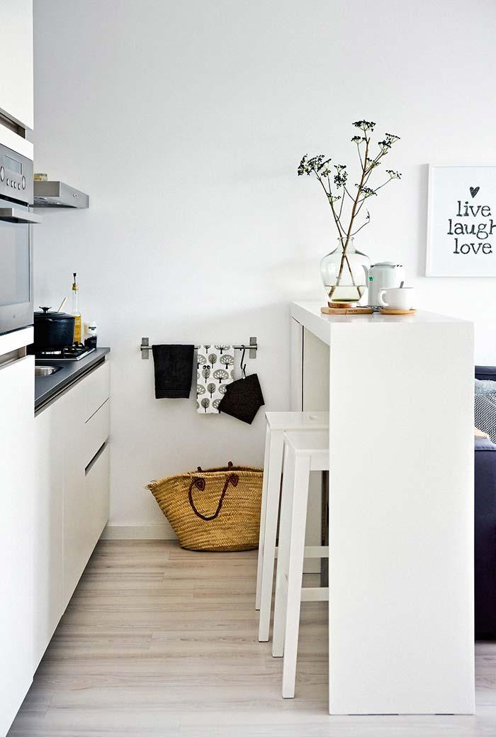 Barras para pendurar panos de prato na cozinha pequena
