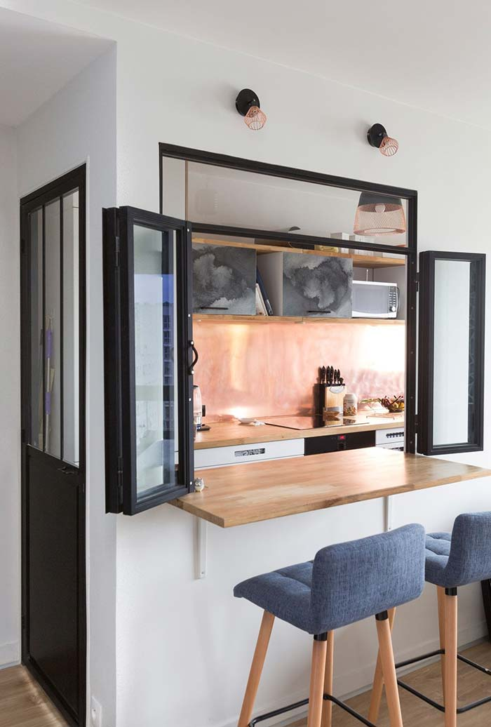 Janela de integração na cozinha pequena