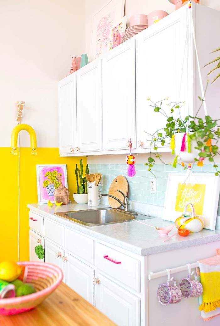 Cozinha pequena em candy colors