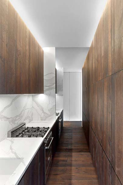 Cozinha pequena tipo corredor