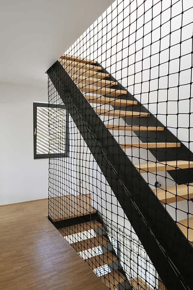 Tela de nylon na escada