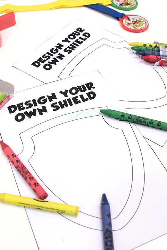Estação de colorir com desenhos para festa patrulha canina