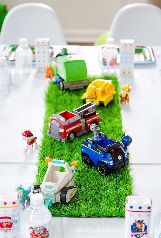 Brinquedinhos para decorar a mesa