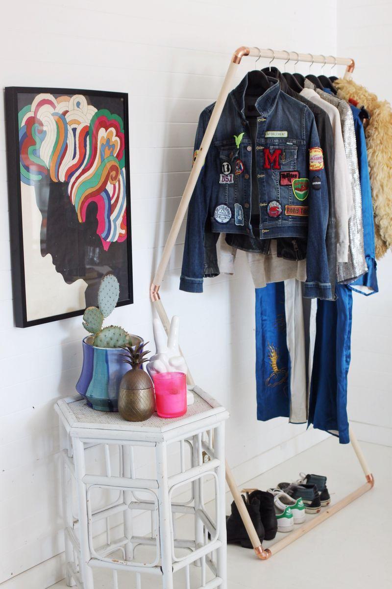Modelo de closet barato aberto