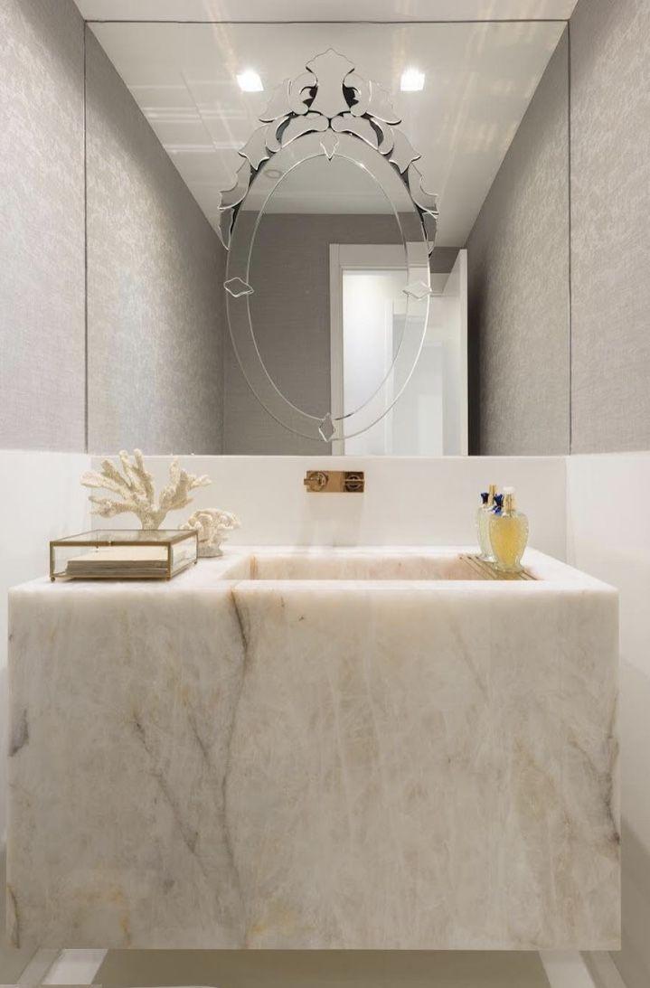 Banheiro requintado e cheio de estilo