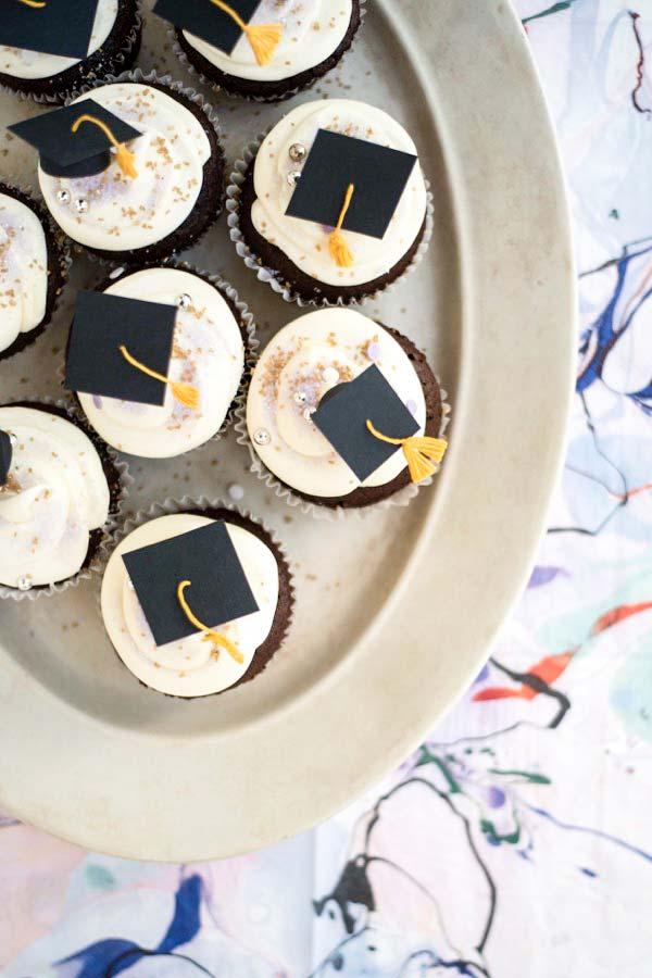 Cupcakes para decoração de festa formatura