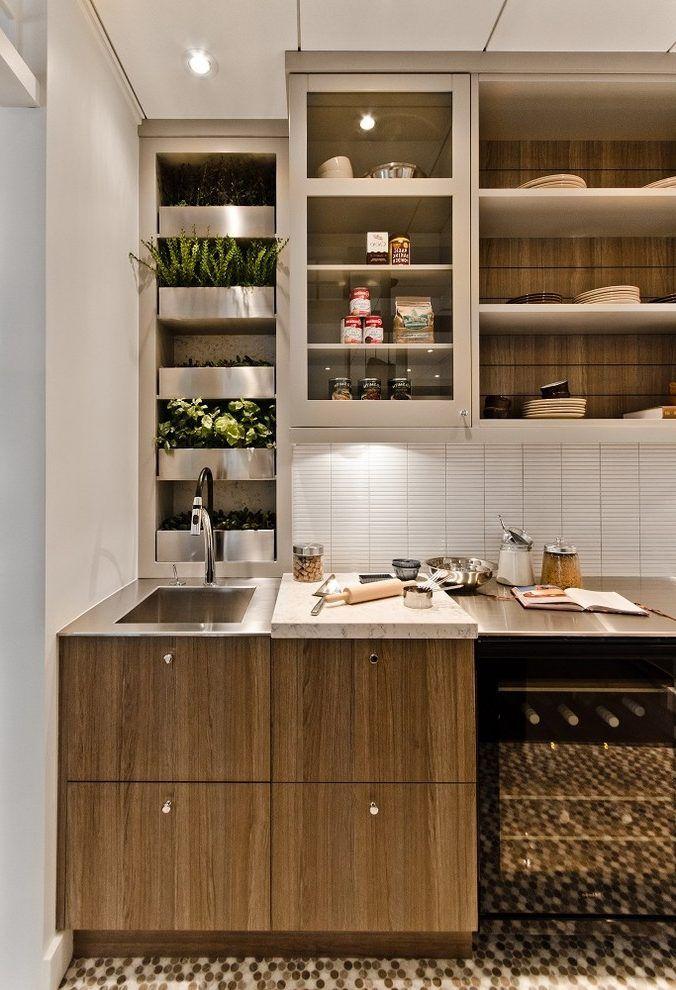Horta caseira integrada a cozinha planejada