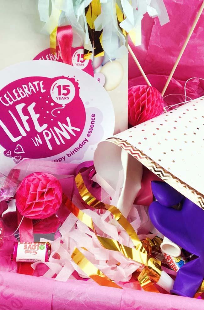 Festa na caixa cor de rosa