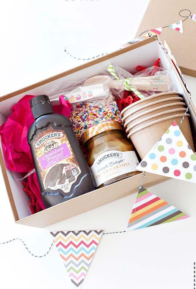 """""""Festa na caixa"""" pode ser feita com os doces preferidos da pessoa"""