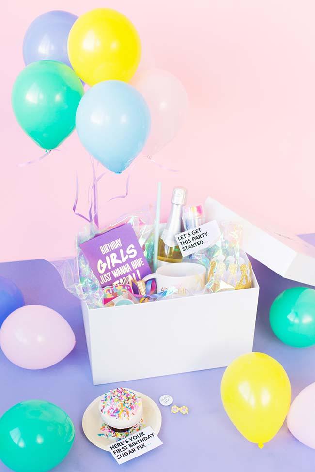 Balões complementam a festa na caixa