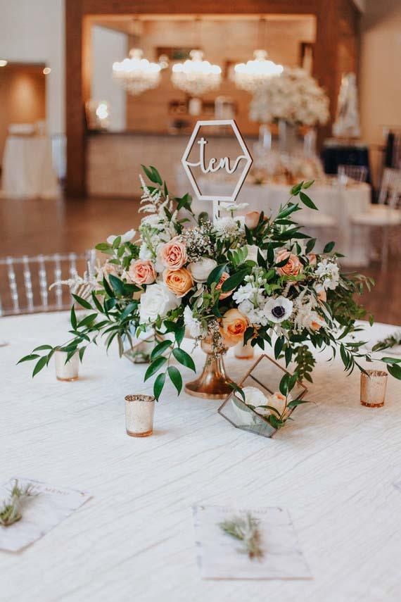 Arranjos baixos para decoração de casamento 2018