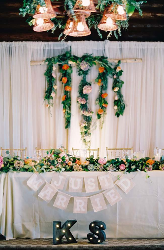 Flores laranjas na decoração de casamento 2018