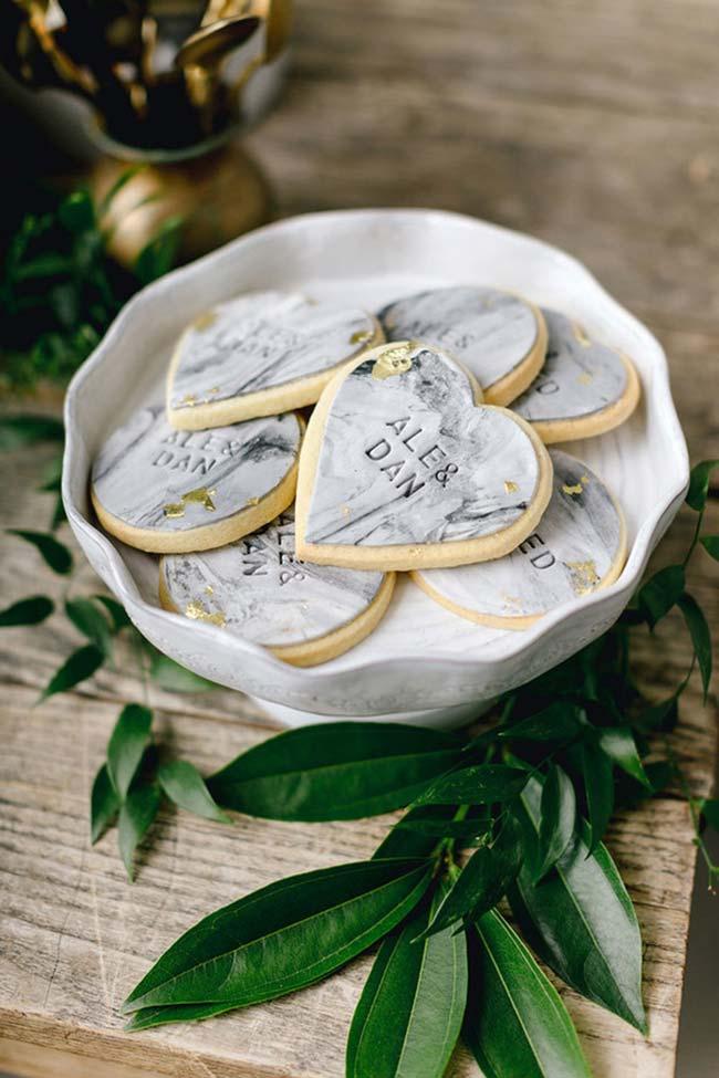 Nome dos noivos gravados em todo lugar na decoração de casamento 2018