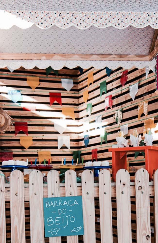 Pallets na decoração de festa junina