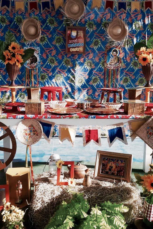 Painel de festa junina com pano de chita
