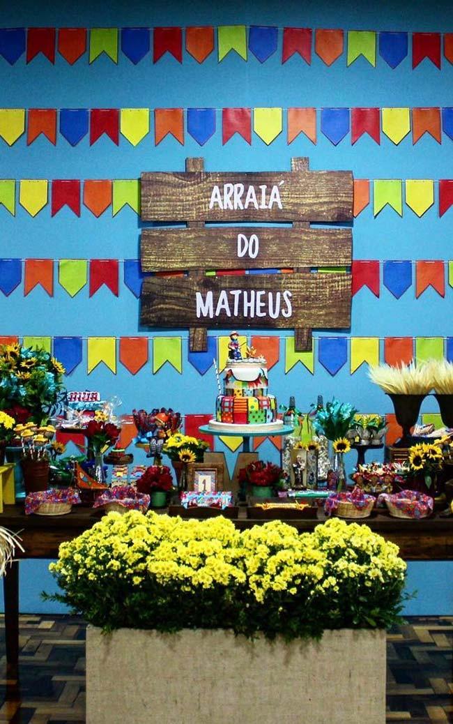 Painel de festa junina na parede
