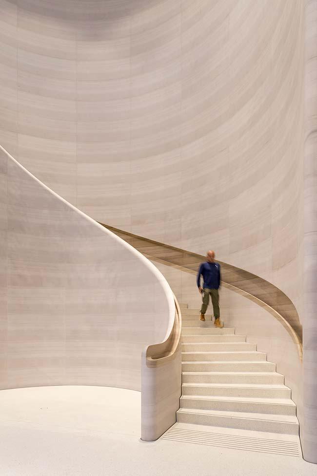Escada de concreto do tipo caracol