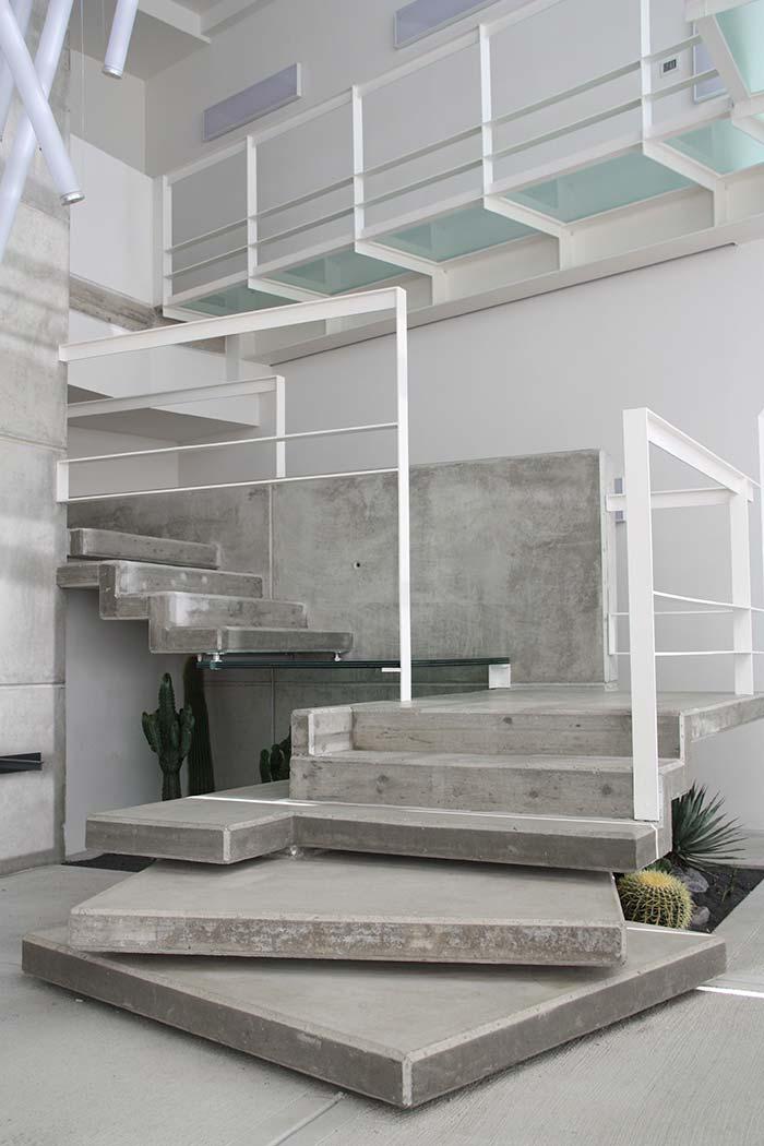 Escada de concreto moderna