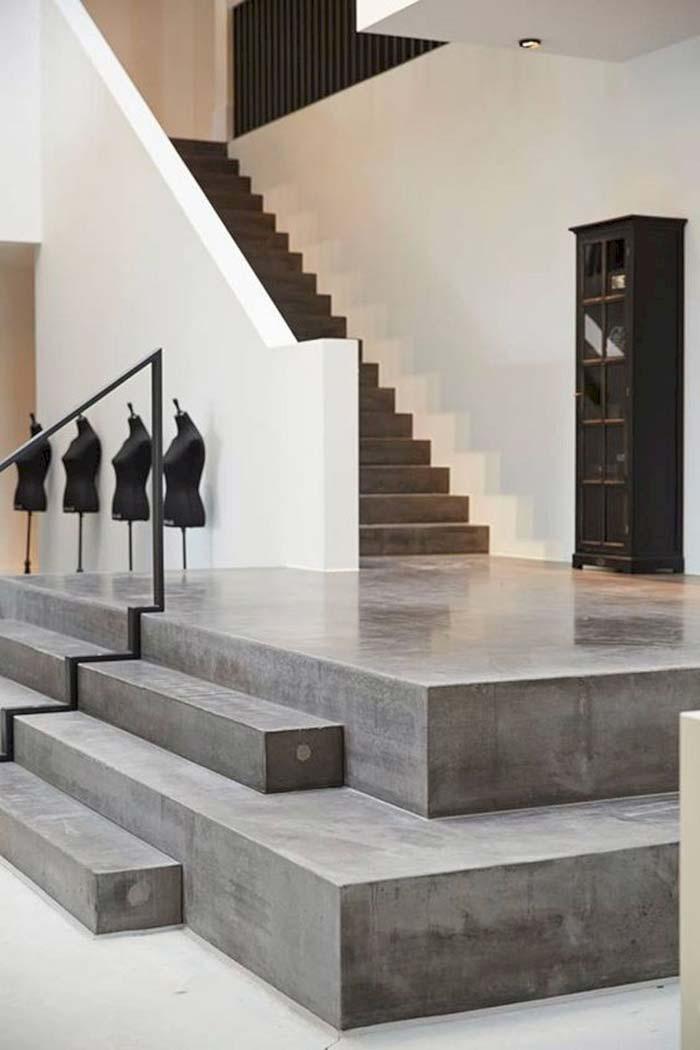 Escada de concreto reta e única