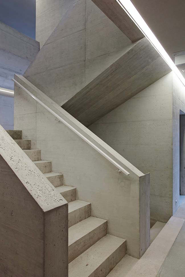 Escada em formato de U