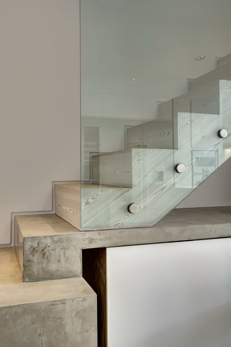 Escada de concreto com acabamento