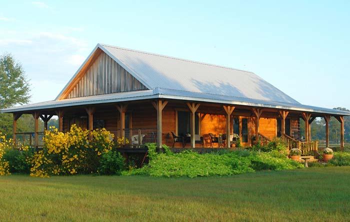 Casa com telhado Bonnet