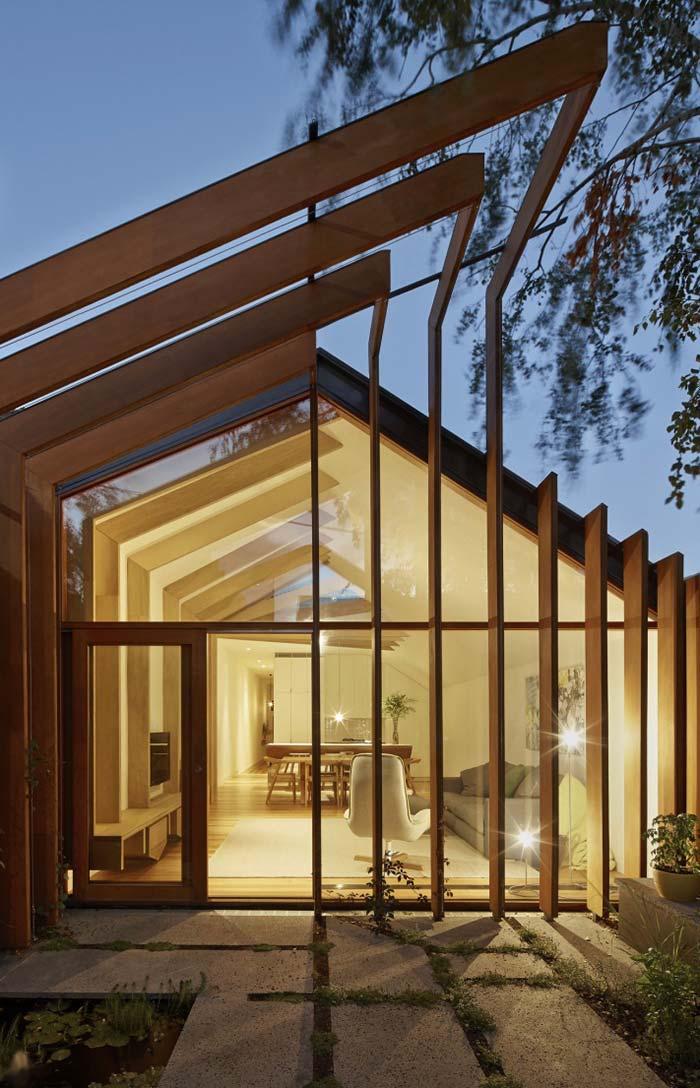 Casa com telhado duas águas