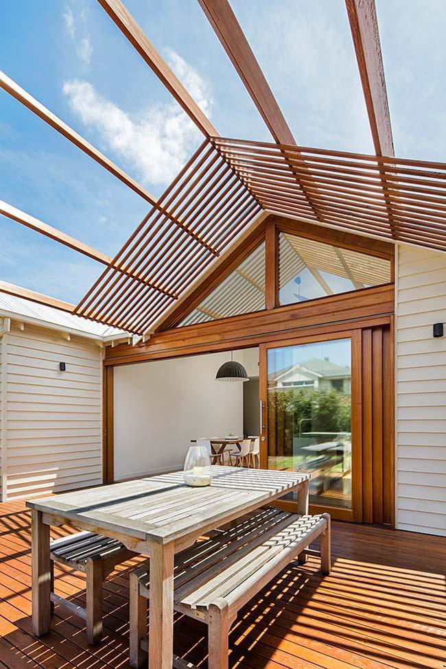Modelo de telhado vazado de madeira