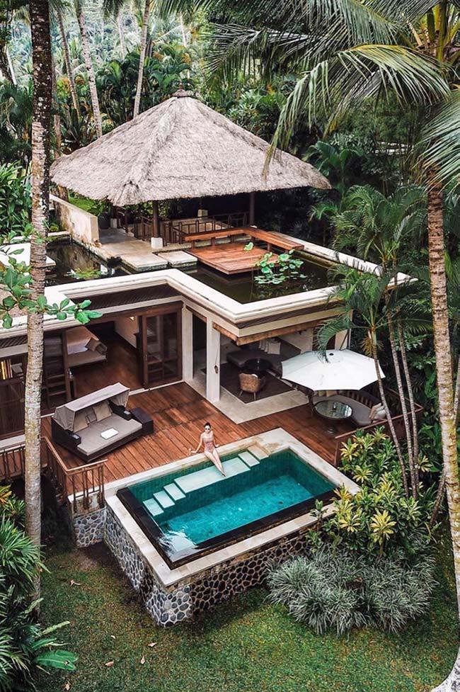 Palha, madeira e natureza