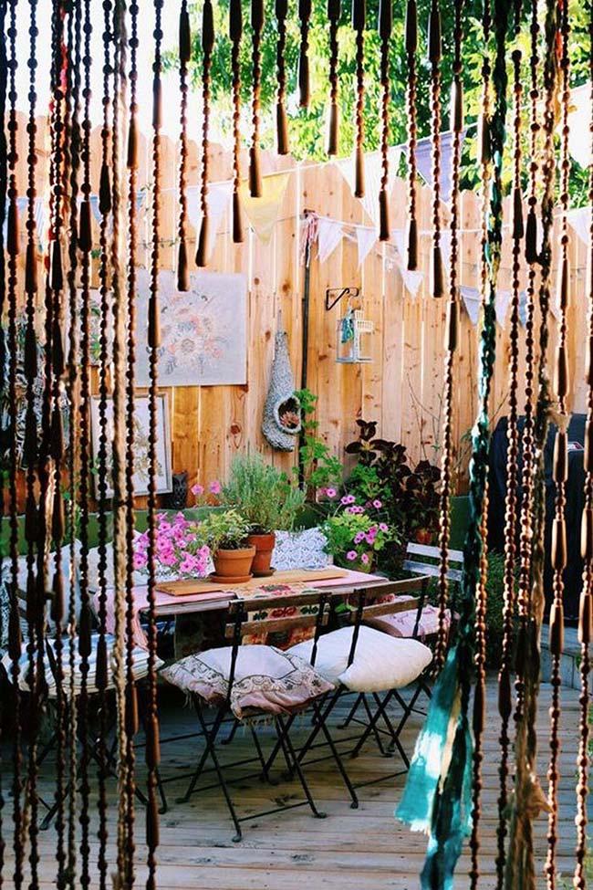 Varanda de madeira decorada
