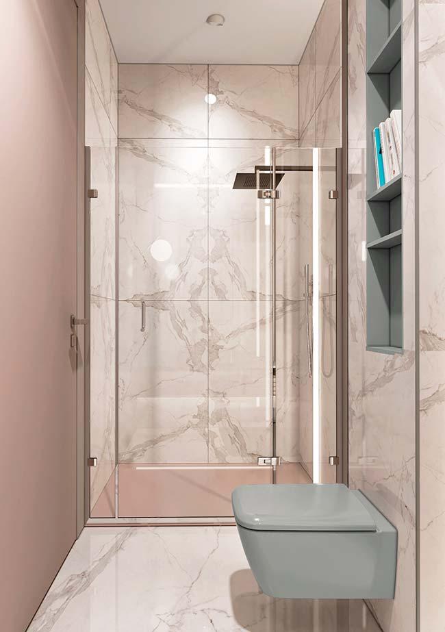 acabamentos mais refinados tiveram preferência nesse banheiro pequeno decorado