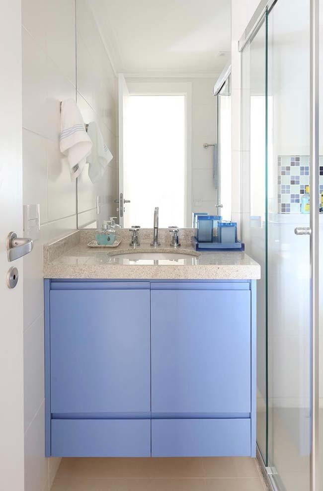Móveis planejados em banheiros pequenos decorados