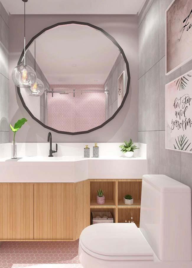 Banheiro pequeno decorado moderno e romântico