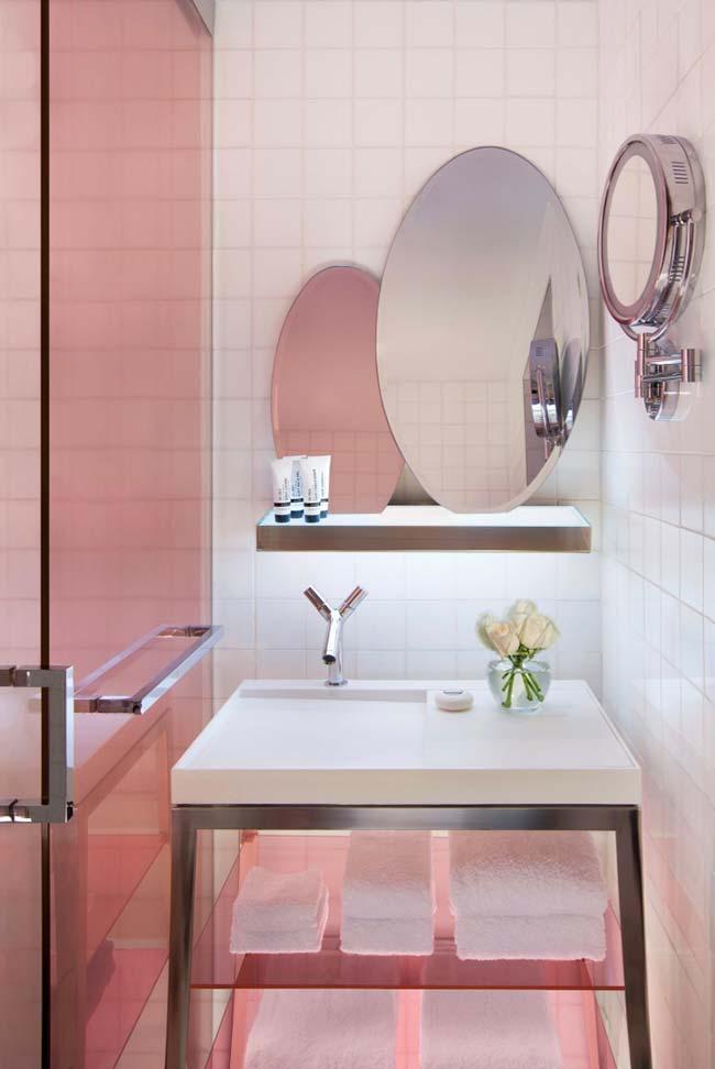 Três tipos de espelho para o banheiro pequeno decorado