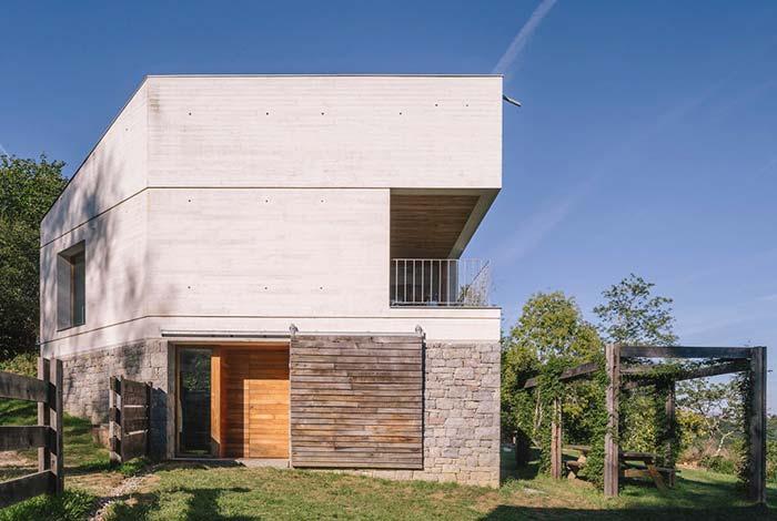 Casa de fazenda em concreto aparente