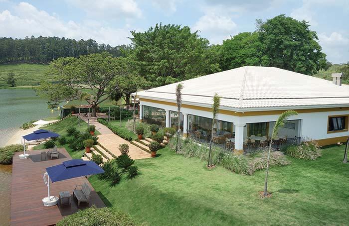 Casa de fazenda ampla e espaçosa