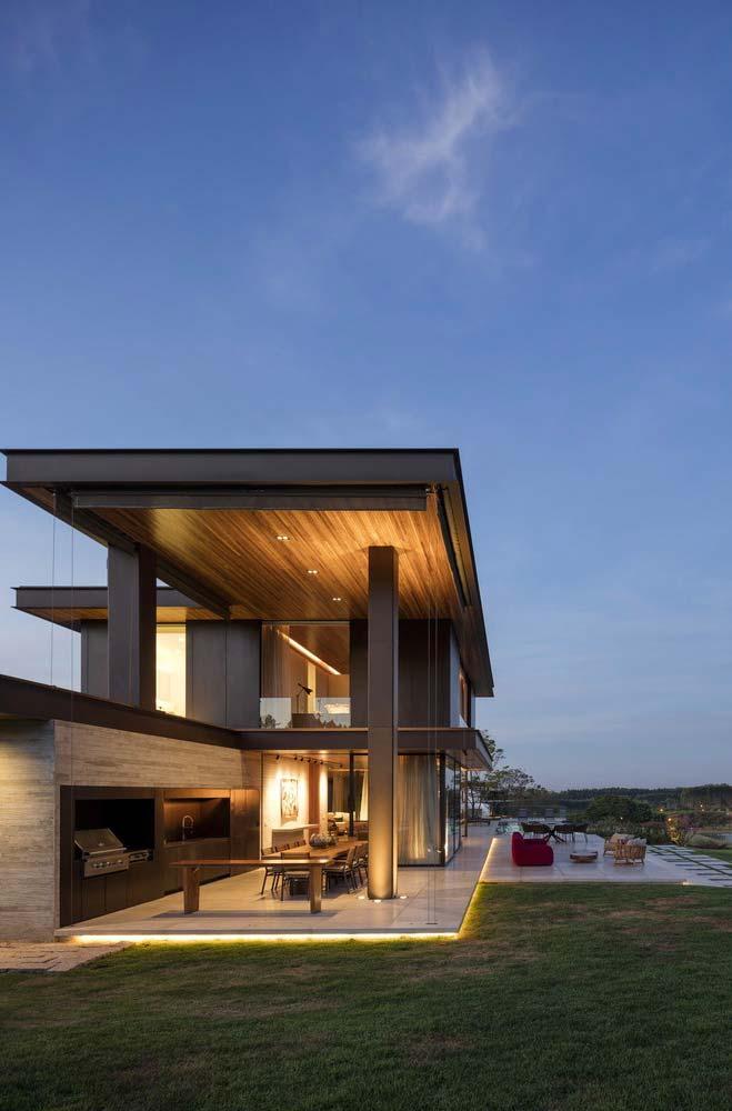 Casas de fazenda: madeira, metal e linhas retas
